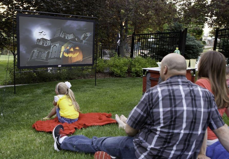 retractable outdoor theater screens 3