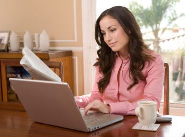 lady on laptop