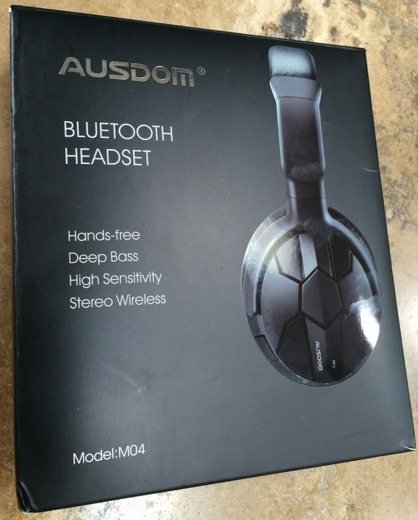 Ausdom M04 box