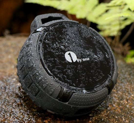 1byone Outdoor Portable Bluetooth Speaker
