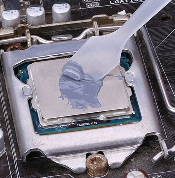 applying thermal paste
