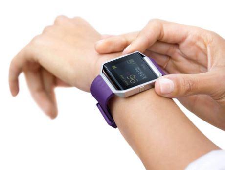 fitbit-blaze-on-wrist