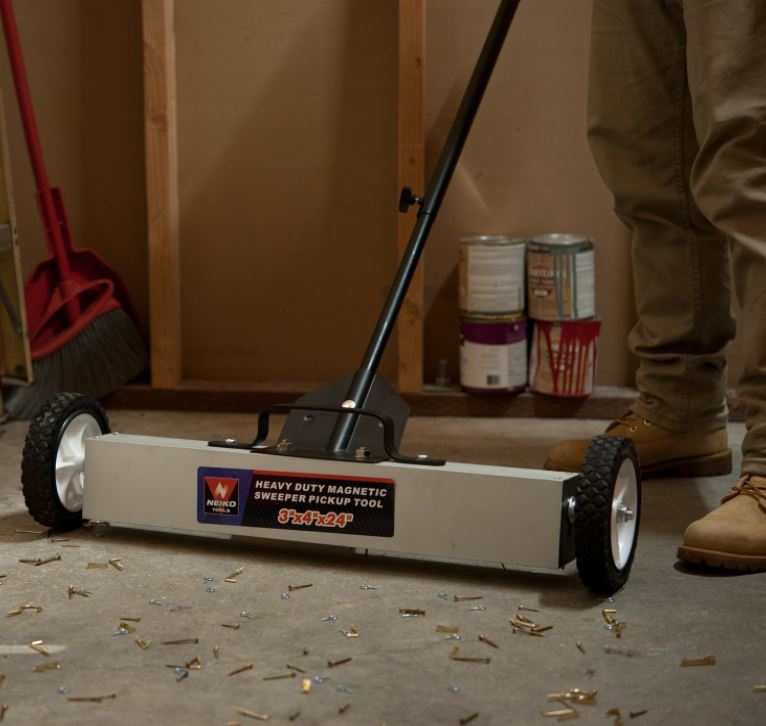 Neiko Magnetic Pick-Up Sweeper