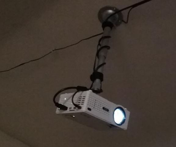 QKK 2200 Lumen Mini Projector