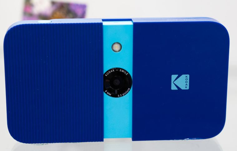 First-Look Review of the KODAK Smile Instant Print Digital