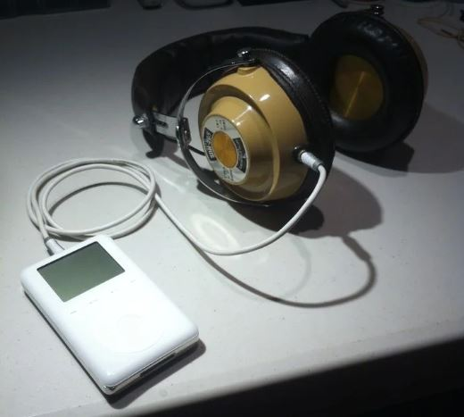 old-headphones-with-cable