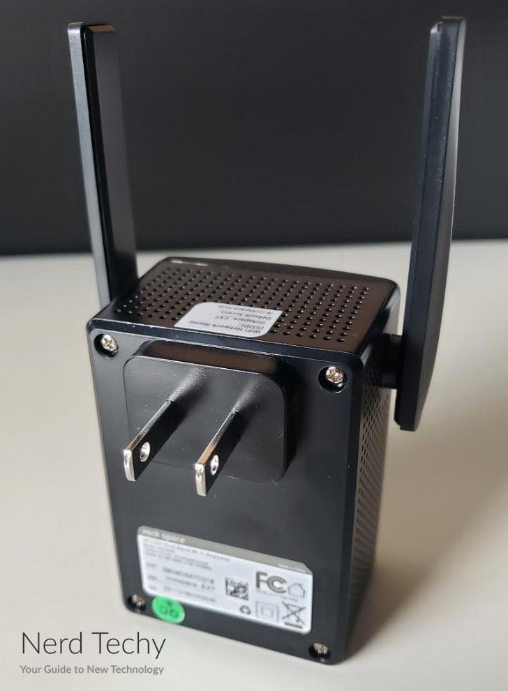 rock-space-ac1200-wifi-range-extender
