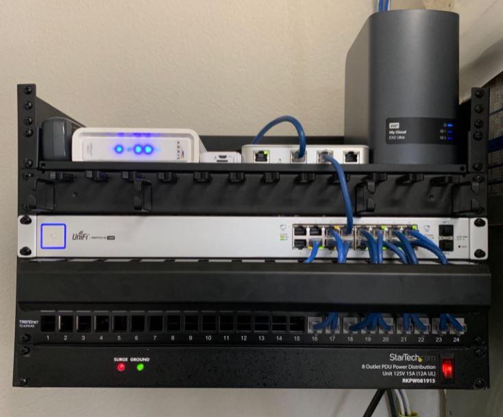 server-rack-cable-management-system