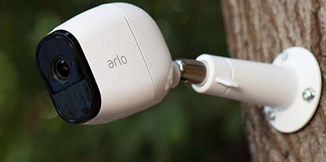 netgear arlo pro security camera review nerd techy. Black Bedroom Furniture Sets. Home Design Ideas