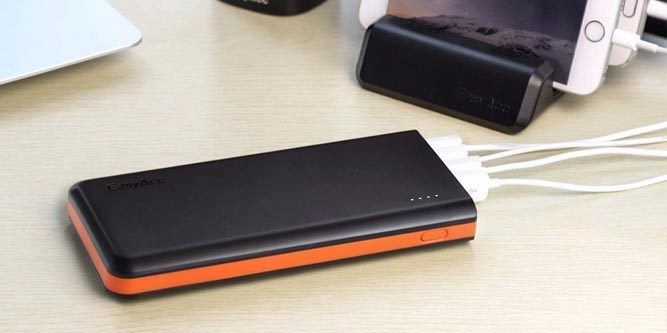 Best Power Bank 2020.Reviews Of The Best 20 000 Mah Power Banks For 2020 Nerd Techy