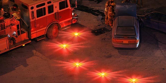 LED Emergency Safety Flare Road Flare Car Flashing Warning Night Lights Roadside Disc Beacon With//Magnet /… Pack of 3 red