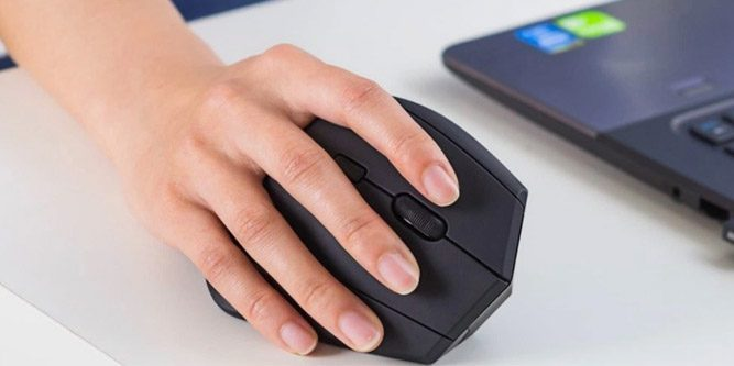 05a89ee8f3e Ultimate Guide to the Best (Ergonomic) Vertical Mouse in 2019